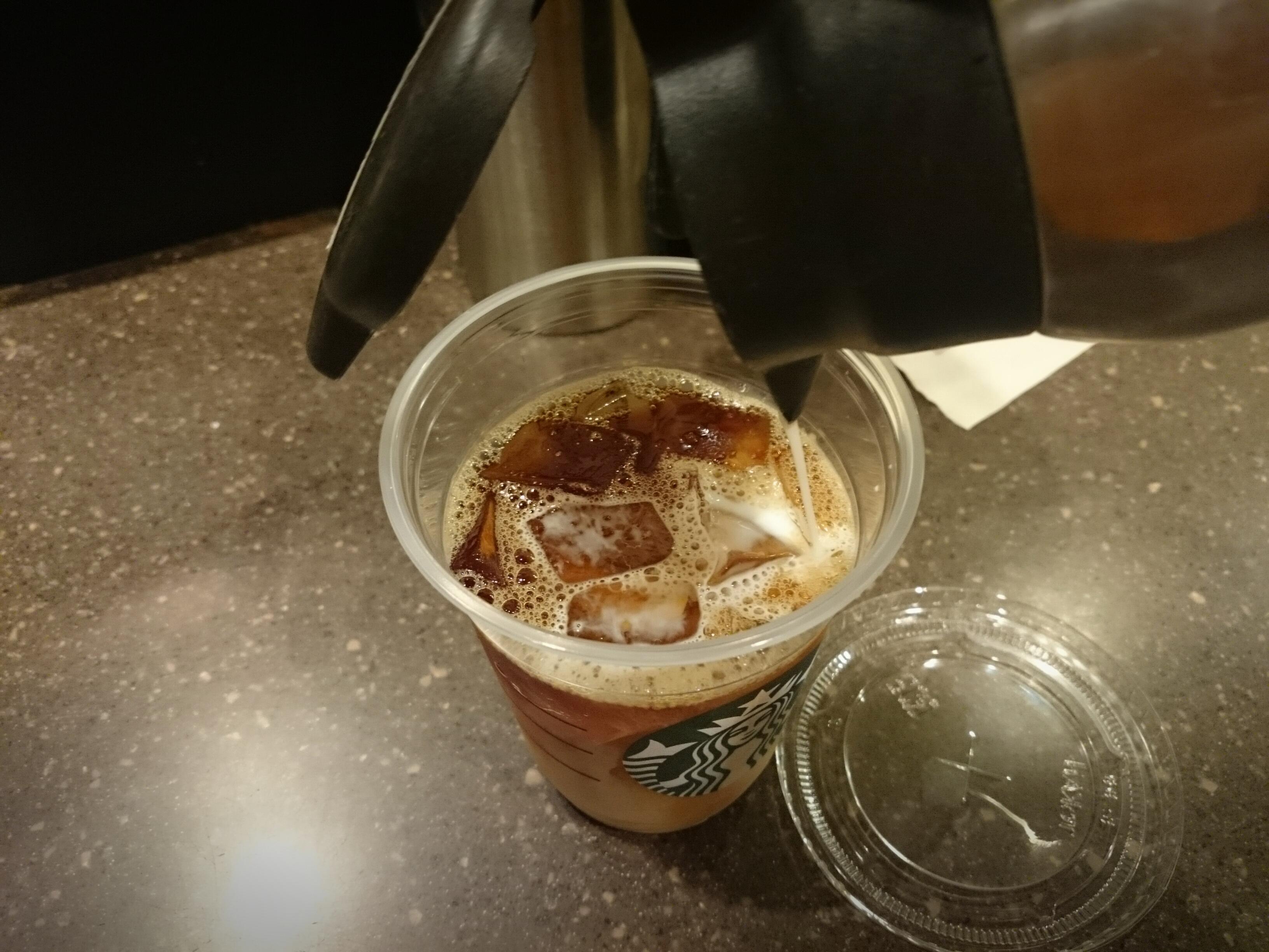 スタバでアイスカフェオレを飲む裏技